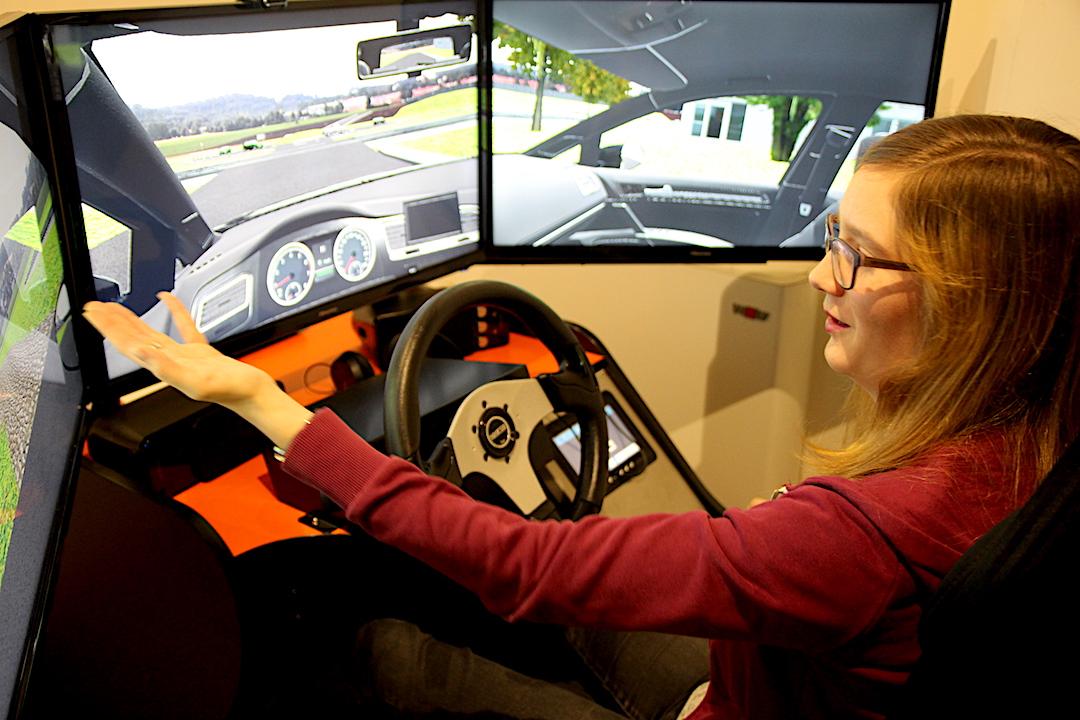 Fahrsimualtor Autofahren üben